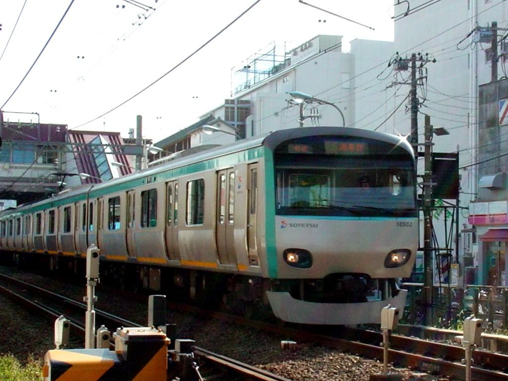 10502(上星川駅) 10502(上星川駅) 10707(上星川駅)   相模鉄道 列車博物館